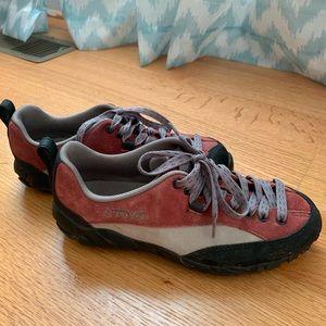 Waterproof Teva Hiking Shoes, size 6
